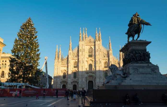 Albero di Natale Sky Piazza Duomo